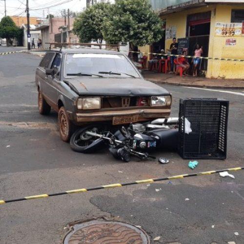REGIÃO: Motorista vira na contramão e deixa motociclista em estado grave