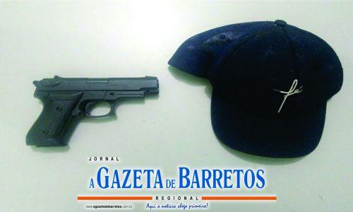 BARRETOS: Policia Militar prende homem por tentativa de roubo e apreende simulacro de arma