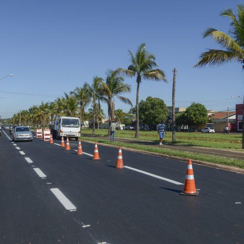 BARRETOS: Recapeadas, Rua 28 e Avenida dos Coqueiros são sinalizadas pela Prefeitura