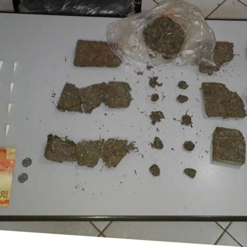 BARRETOS: Mulher é presa e menor é apreendido com cocaína e um quilo e meio de maconha