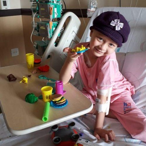 BARRETOS: Na luta contra o câncer, menina de 6 anos pede ajuda por doações ao Hospital de Amor e viraliza