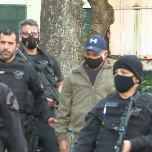 Fabrício Queiroz é preso em imóvel de advogado de Flávio Bolsonaro no interior de SP