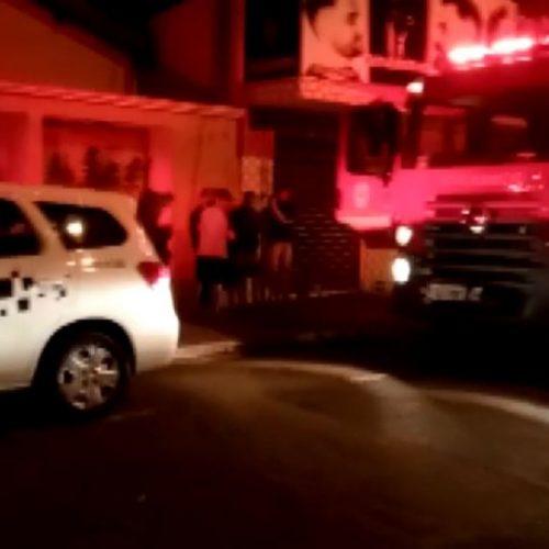 REGIÃO: Mulher morre durante incêndio dentro de casa