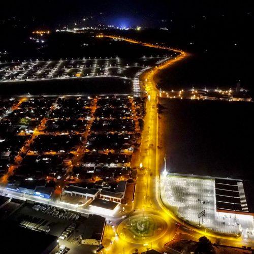BARRETOS: Iluminação da Via das Comitivas recebe serviços de manutenção após ação de vândalos