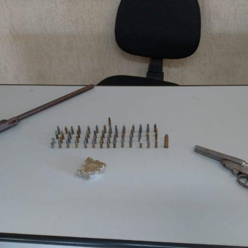 BARRETOS: Pedreiro é preso por armazenar armas e maconha em sua residência