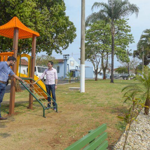 BARRETOS: Prefeitura entrega obras em Praça e novo espaço de lazer para dois bairros
