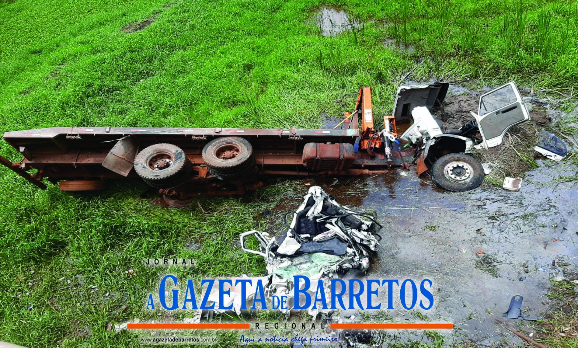 BARRETOS: Acidente entre carro e caminhão provoca morte de advogado na Rodovia Assis Chateaubriand