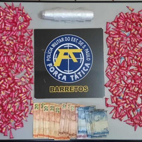 BARRETOS: Operação da Força Tática prende quatro e apreende quase um quilo de cocaína em chácara