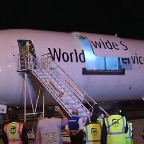 SAÚDE: Avião com 1 milhão de doses da vacina da Pfizer chega ao Brasil