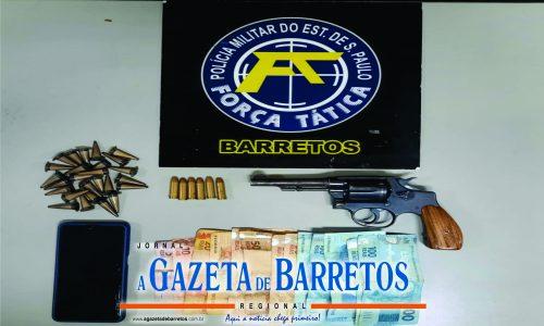 BARRETOS: Tático comando prende rapaz que vendia drogas em festa e apreende dinheiro, carro e arma