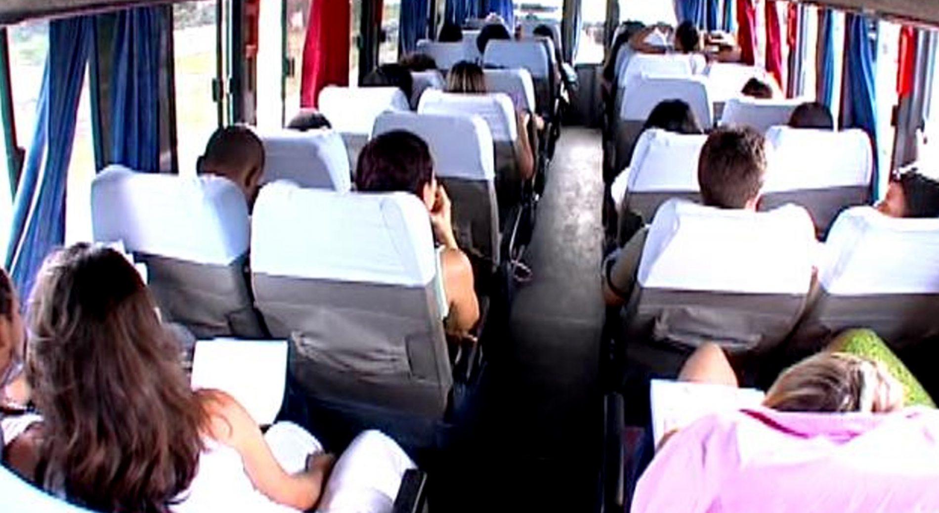 PITANGUEIRAS: Estudantes cobram Prefeitura pela volta do transporte universitário gratuito