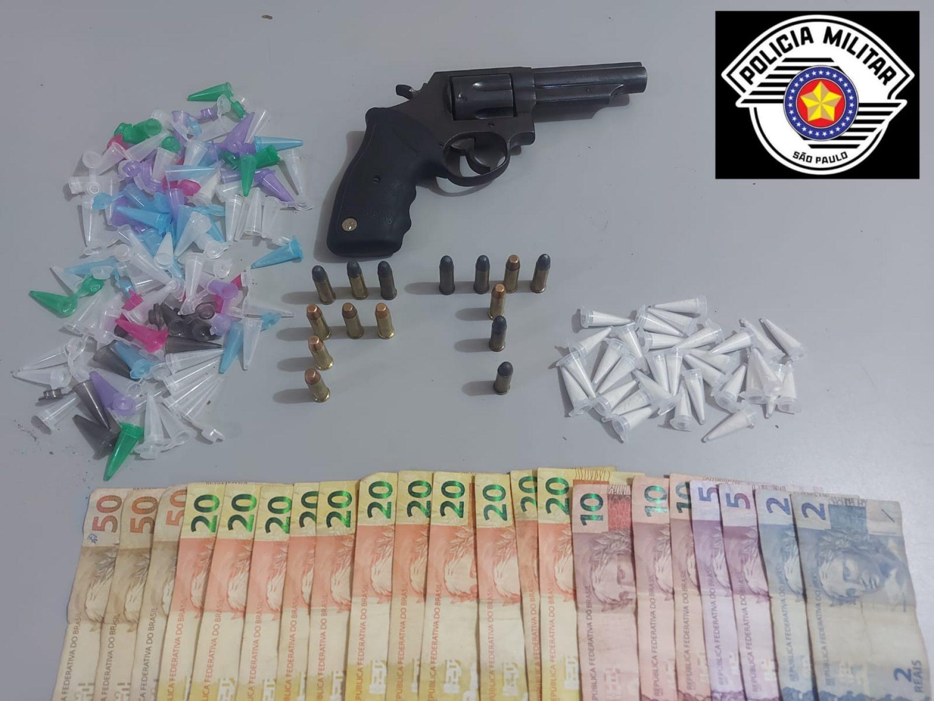 """BARRETOS: Força Tática prende """"Menor"""" e apreende drogas, dinheiro e arma"""
